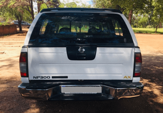 A VENDRE Nissan Pick up double cabine 4×4 – NP 300 AX